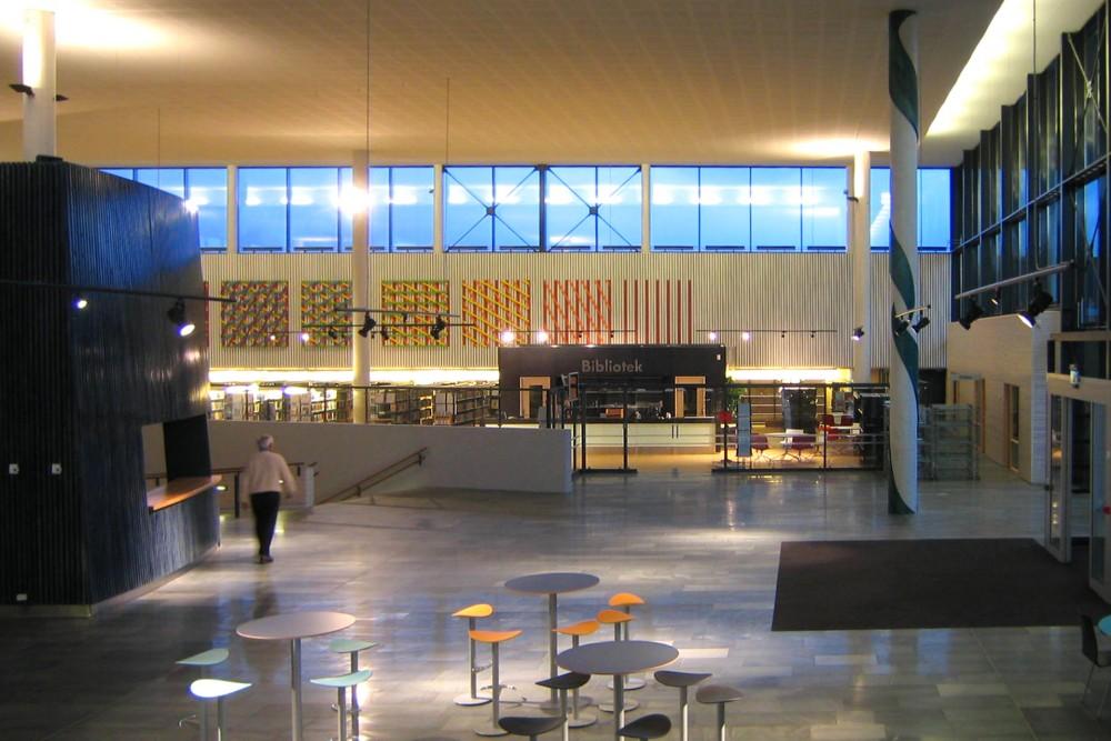 arkitektur_byaasen_videregaaende_skole_trondheim_interior_aula_inngang_bibliotek