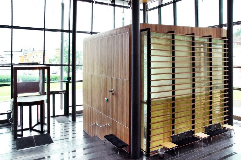 arkitektur_tromso_tinghus_interior_foaje_inngang_entrance
