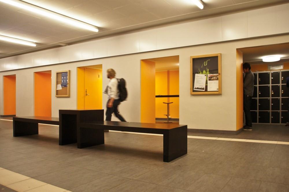 interior_stripa_ntnu_sentralbygg_i_trondheim_ombygging_spesialtegnede_møbler_gulv_05