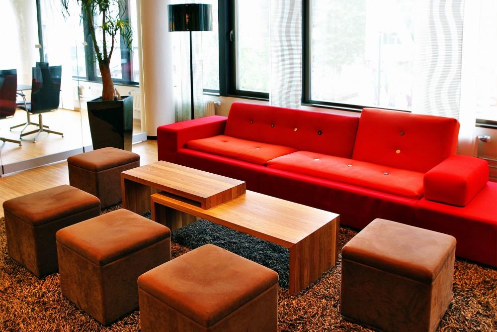 interior_trondheim_ec_dahl_kontorer_lounge_sittegruppe_sofa_puffer